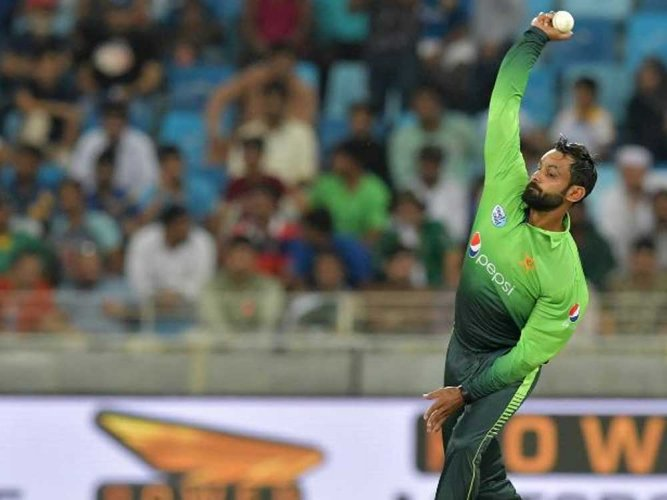 Pakistan's Hafeez reported for suspect bowling action, again