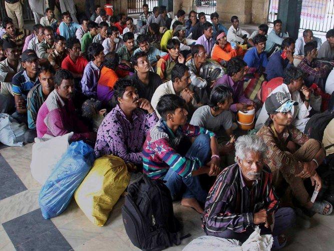 Pakistan releases 147 Indian fishermen in goodwill gesture