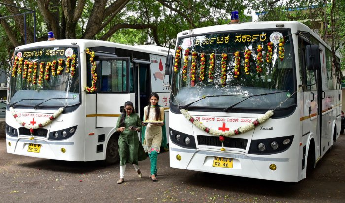 The vans were officially flagged off by Minister for Health and Family Welfare Shivananda S Patil here on Monday is likely to address the shortage of blood. (DH Photo)