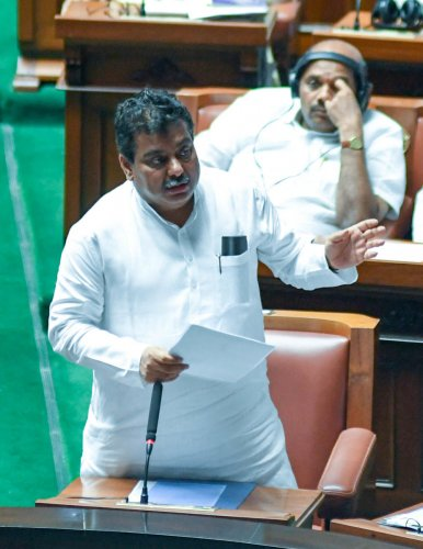 Home Minister M B Patil answering about the Zero traffic, at the Karnataka Assembly trust vote session at Vidhana Soudha, in Bengaluru on Monday. Photo/ B H Shivakumar