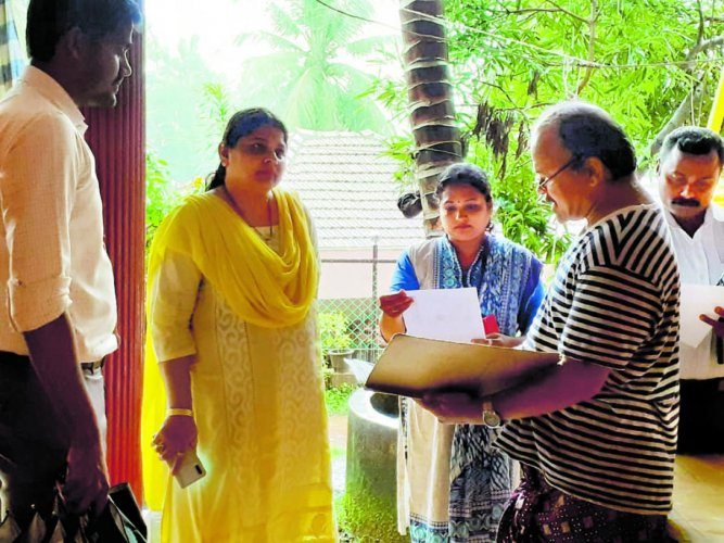 Puttur CMC commissioner Roopa Shetty raided unauthorised PG accommodations in Puttur.