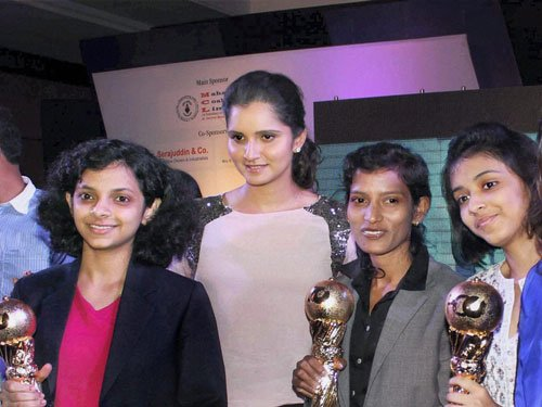 Sania for change of attitude towards women in sports