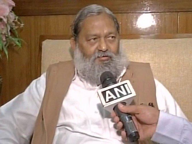 Haryana sports minister rejects Sakshi Malik's claim