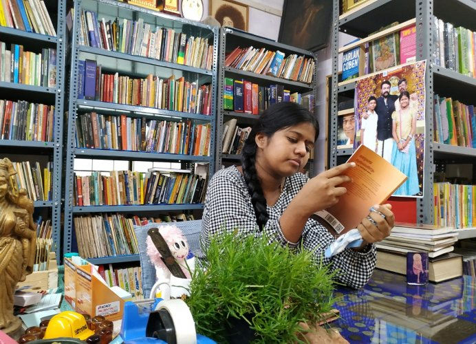 The 120-odd members of the library set up by seventh standard student Yashoda D. Shenoy are not just children, but elders including her teachers as well.