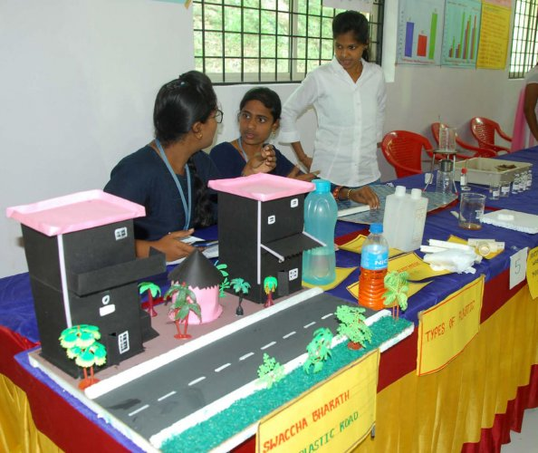 A model on the use of plastic in road construction at the divisional-level science model exhibition organised for undergraduates at AIT in Chikkamagaluru.