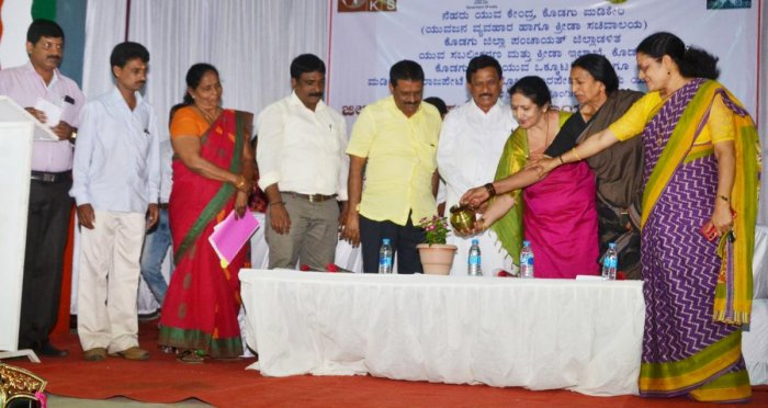 MLC Veena Acchaiah inaugurates the district-level youth fest organised by the Department of Youth Empowerment and Sports, at Kaveri Kalakshetra in Madikeri. MLA K G Bopaiah, MLA Appacchu Ranjan and Zilla Panchayat president B A Harish look on among others