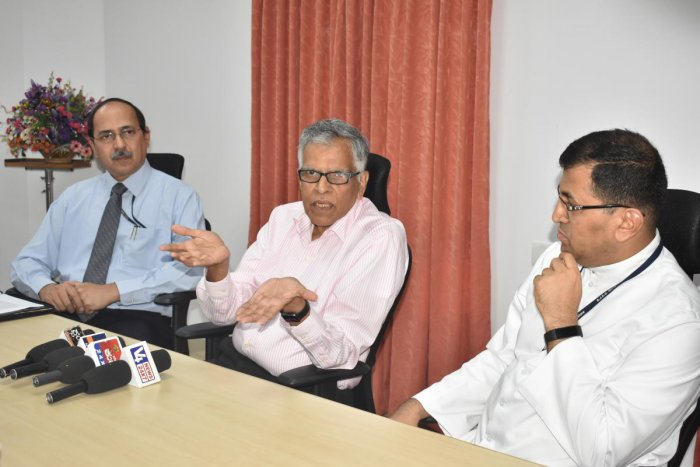 Dr Krishna Vedula, Indo-Universal Collaboration for Engineering Education (IUCEE) executive director, speaks at an interaction with the faculty of St Joseph Engineering College in Vamanjoor on Monday.