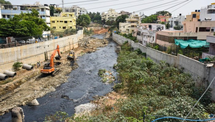 Based on a tip-off, head constable Srinivasa Rao and Beerappa on night patrol, nabbed Rajegowda (50) and Nazeer (45) for letting the polluted wastewater from their tankers into a stormwater drain along the ESI Hospital Road. (DH File Photo. For representation purpose)