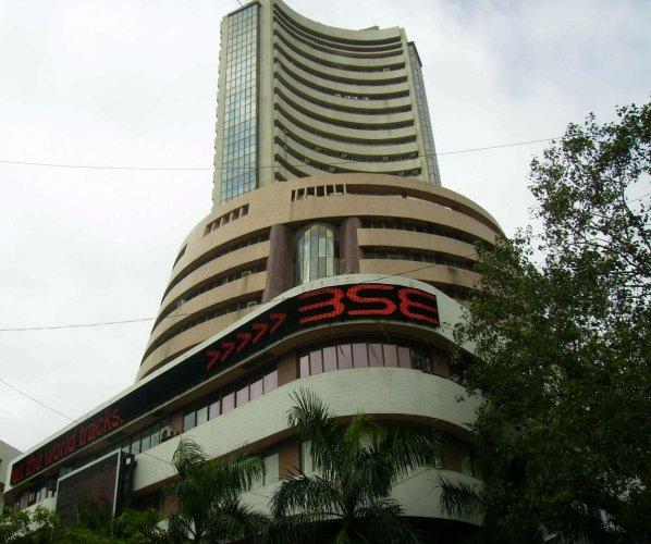 Bombay Stock Exchange building, Mumbai. (DH File Photo)