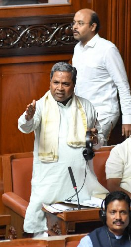 Former chief minister Siddaramaiah speaks during the confidence motion moved by Chief Minister HD Kumaraswamy in the Assembly in Bengaluru on Monday. (DH Photo/ B H Shivakumar)