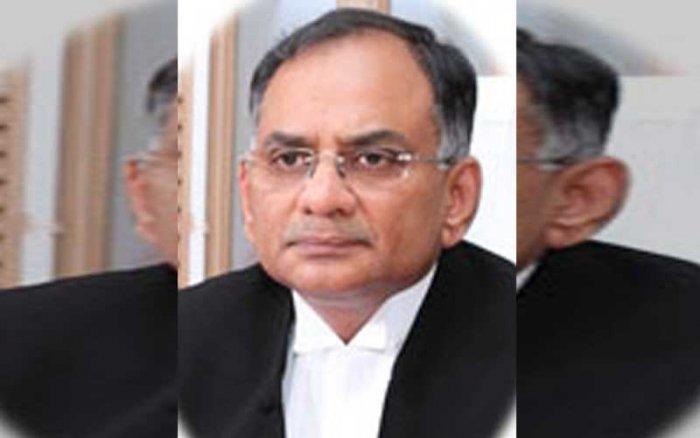 Justice V Chitambaresh