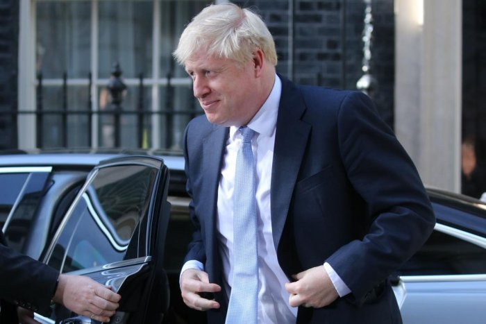 Britain's new Prime Minister Boris Johnson arrives back at 10 Downing Street in London (AFP Photo)