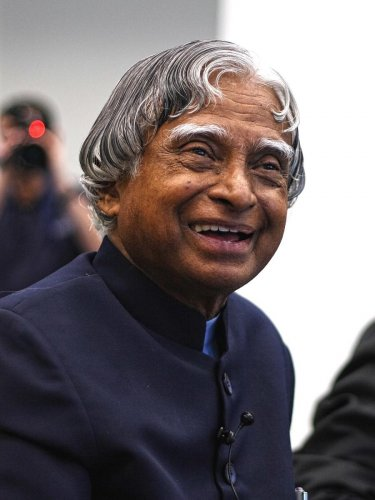 Just a month before his demise, former President APJ Abdul Kalam had advised DRDO chief Satheesh Reddy to work on reusable missiles. (File Photo)