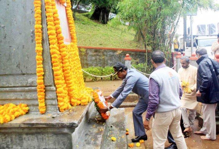 Tributes were paid to the martyrs of Kargil war, during Kargil Vijay Diwas, observed at war memorial in Madikeri.
