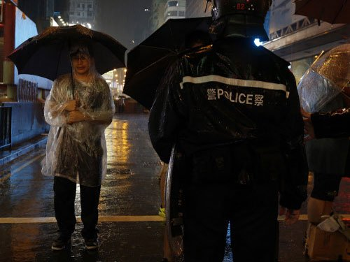 Eight detained in Hong Kong for assault, arson