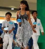 'Slumdog' kids perform on Hong Kong TV