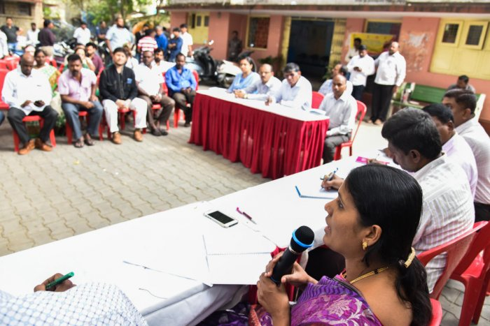 Gangambika Mallikarjun BBMP Mayor, chair the Ward Committee Meeting at Maternity Hospital, Kanakanapalya, 2nd block, Jayanagar in Bengaluru. Ravindra Hijeri, Health Inspector, Nashimaiah, AE BBMP, Gangadhar AE SWM, K P Ramadasappa, AEE BBMP and Desai, AEE BWSSB are also seen. Photo by S K Dinesh