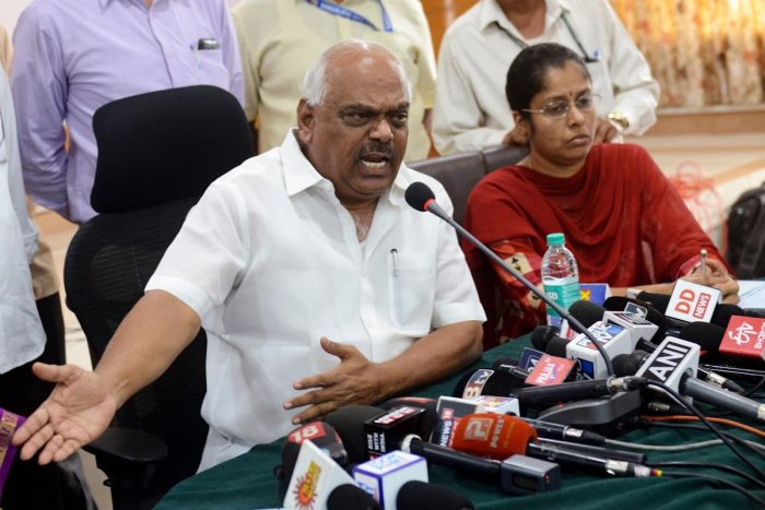Speaker K R Ramesh Kumar addresses a press conference in Bengaluru on Sunday. dh photo