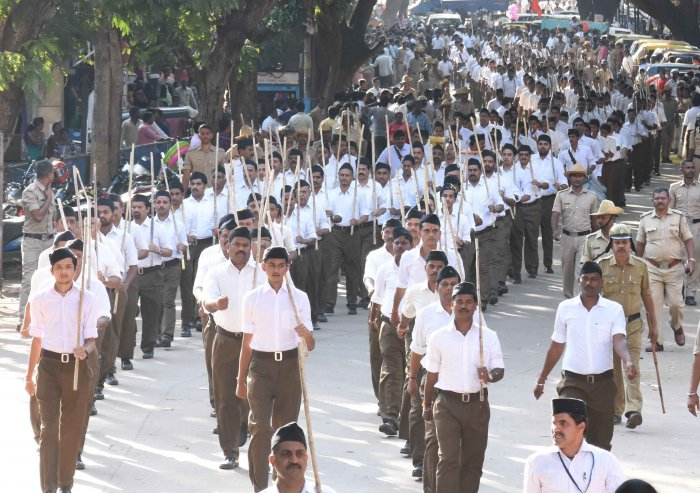 The Rashtriya Swayamsevak Sangh (RSS) is setting up a school to train students for the Army.