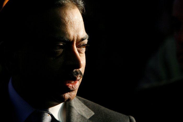Pramod Mittal speaks during a news conference in Kremikovtzi, near Sofia. (Reuters Photo)