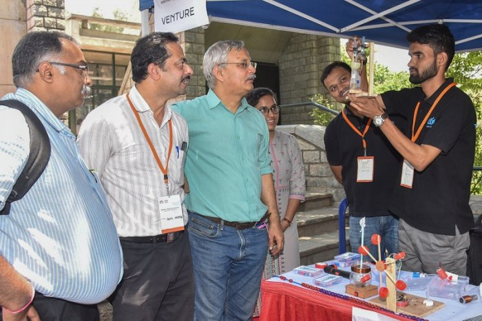 Students experiment being demonstrating to visitors at Social Startup Santhe as the part of Social Ventures Incubation programme organised by NSRCEL at IIM Bengaluru. (File Photo)