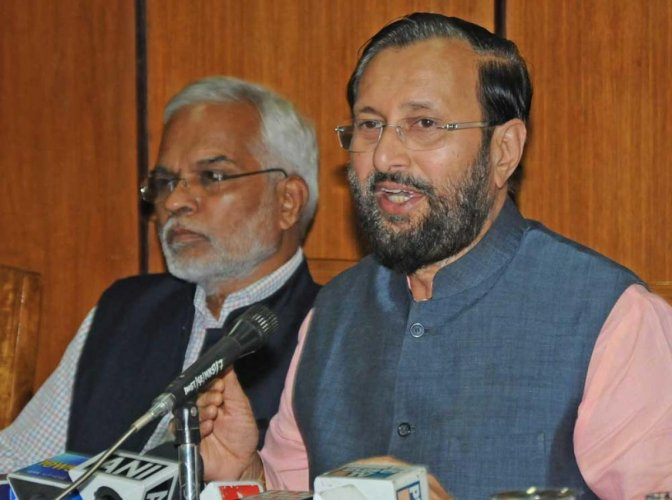 Union Minister Prakash Javadekar (R) said the Cabinet on Wednesday approved increasing the strength of Supreme Court judges from 30 to 33. (DH photo)