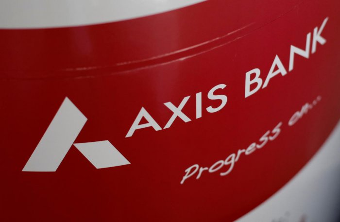 The logo of Axis Bank is seen on an advertisement at its branch in Mumbai, India, January 22, 2018. (REUTERS File Photo)