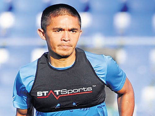 ISL has enhanced football's popularity in India: Chhetri