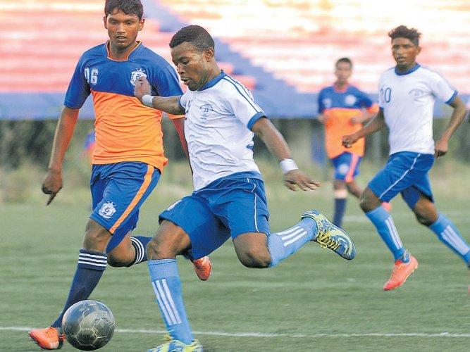 Football may boost bone development in teens: study