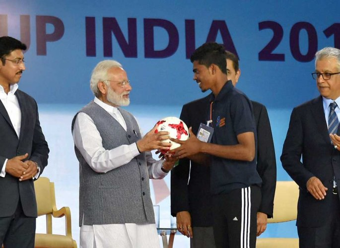 Goof-up during felicitation of Indian football greats