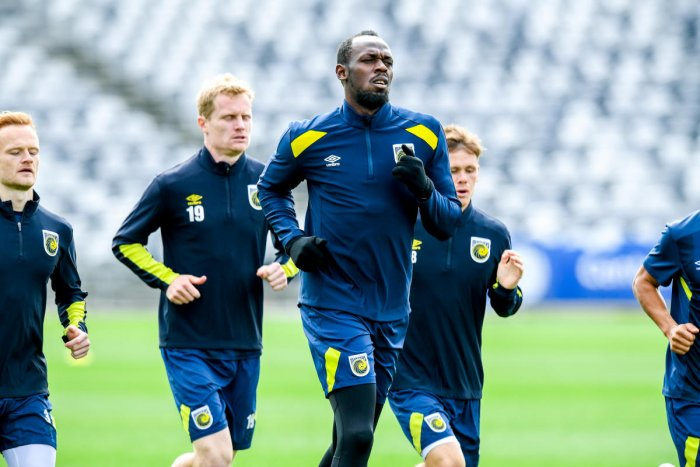 Eight-time Olympic sprinting gold medalist Usain Bolt is seen during a training session with the Central Coast Mariners at Central Coast Stadium in Gosford, Australia, August 28, 2018. (AAP/Brendan Esposito/via REUTERS)