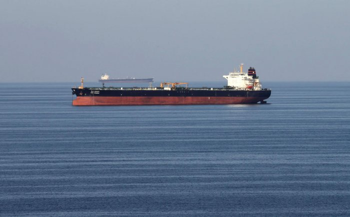 Oil tankers pass through the Strait of Hormuz on December 21, 2018. (REUTERS File Photo)