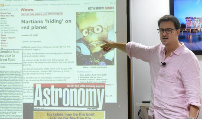 British astrobiologist Dr Lewis Dartnell talks about space exploration in Bengaluru on July 31. DH PHOTO/ANUP R THIPPESWAMY