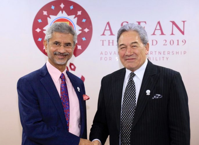 External Affairs Minister S Jaishankar meets Foreign Affairs Minister of New Zealand, Winston Peters, at the Bangkok Convention Centre (Twitter/Dr.S Jaishankar)