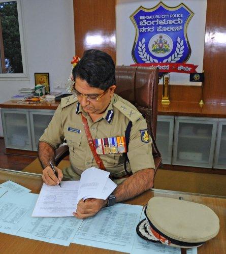New Bengaluru police commissioner Bhaskar Rao after taking office on Friday. DH PHOTO/Pushkar V