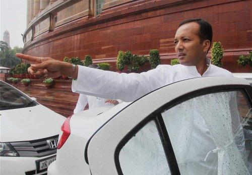 Voting begins for 10 LS seats in Haryana, Chandigarh