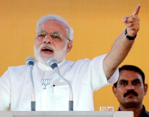 Modi attacks Haryana govt over Vadra deals