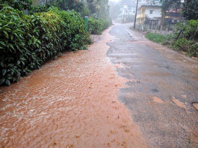 Hosapete, Kalasa get heavy rainfall