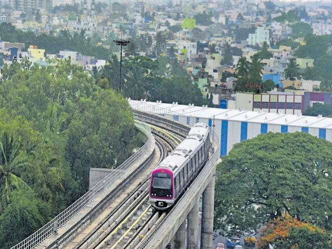 Namma Metro services on MG Road-Baiyappanahalli section resumed on at 11.25 am on Sunday. DH file photo