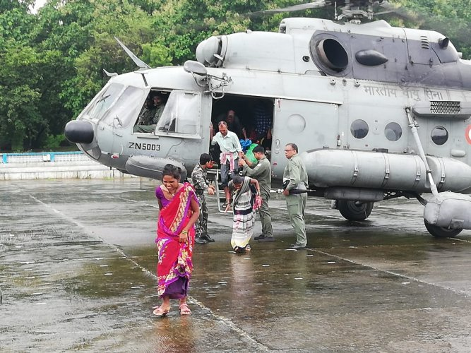 Hundreds of people had to be rescued to safety by different agencies including Army, Navy, Air Force, NDRF and others in the MMR. DH photo