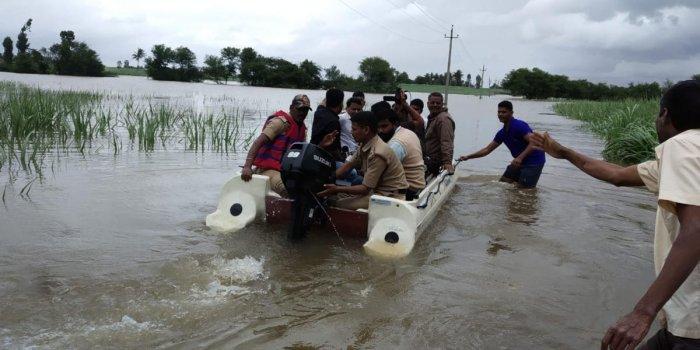 Swollen Krishna floods vast tracts of farmland in N-K