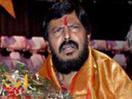BJP, Shiv Sena begin wooing their smaller alliance partners