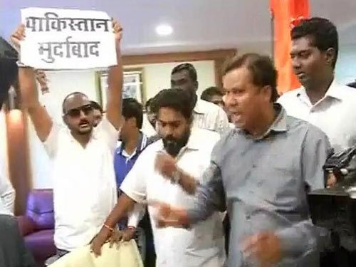 10 Shiv Sena workers arrested for protest at BCCI HQ