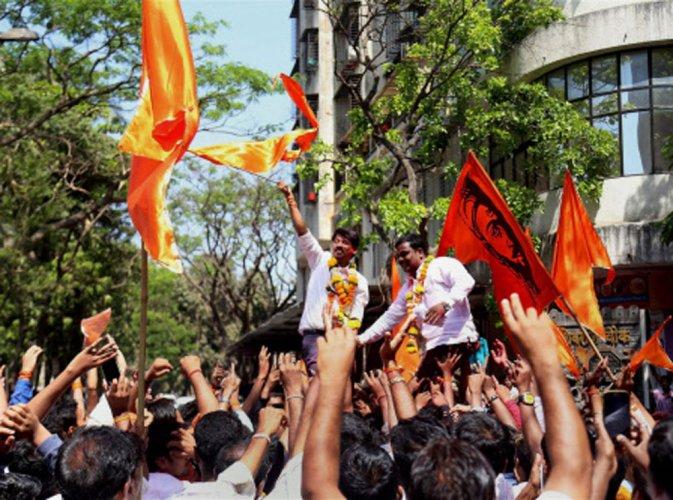 Civic polls: Shiv Sena, BJP neck and neck in Mumbai