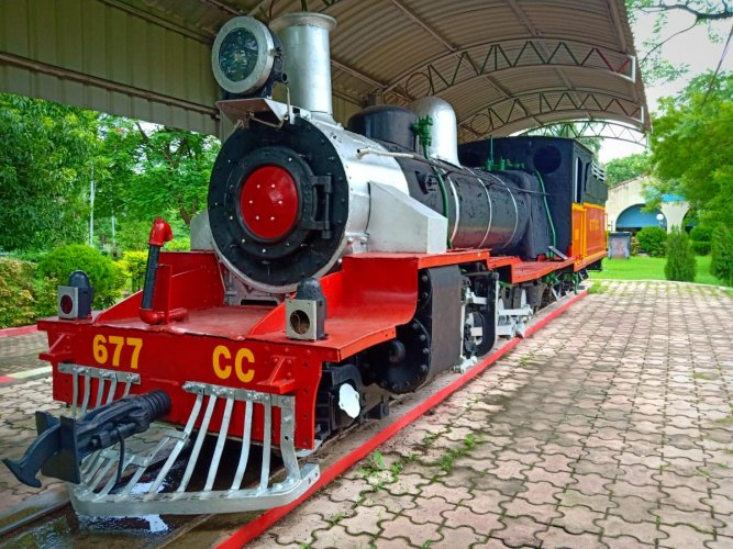 A yesteryear narrow guage steam engine on display at the Narrow Guage Rail Museum in Nagpur. Photo by author