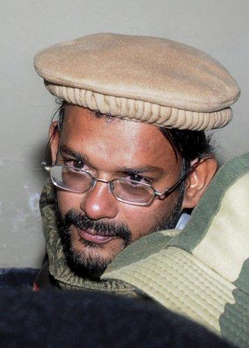 Attari: Hamid Nihal Ansari, who was repatriated by Pakistan after six years in jail, on his return at Attari-Wagah border in Amritsar, Tuesday, Dec. 18, 2018. (PTI Photo) (PTI12_18_2018_000179B)