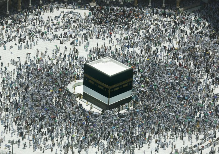 Crowds of worshippers have already begun to gather in Mecca in the days ahead of the hajj, the focal point of the Islamic calendar.