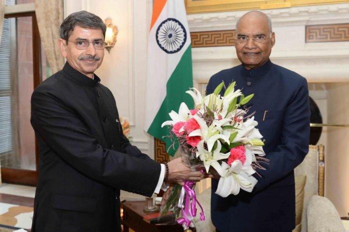 Nagaland governor R N Ravi meeting President Ram Nath Kovind in New Delhi on Tuesday. PHOTO HANDOUT/RAJBHAVAN, NAGALAND