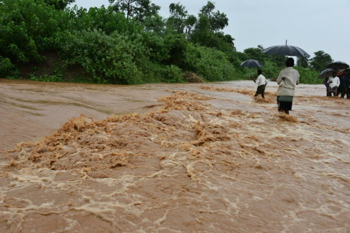 The third warning signal has been raised in Srikakulam district as the flood level at Gotta Barrage on River Vamsadhara crossed 1.11 lakh cusecs on Thursday morning.