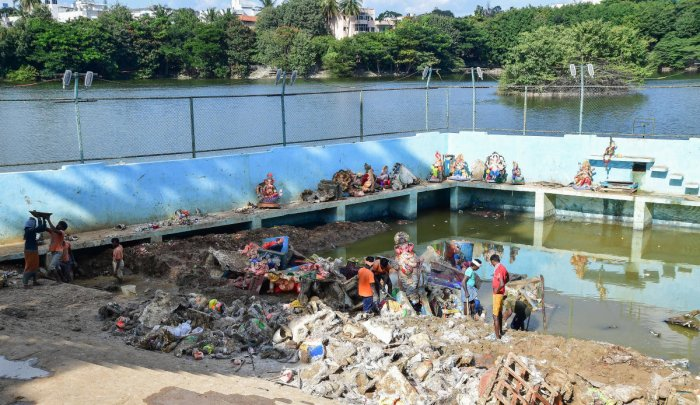 BBMP has dug up Kalyanis in 24 lakes for Ganesha Idol immersions. The picture shows the Kalyani in Yediyur Lakes. DH Photo
